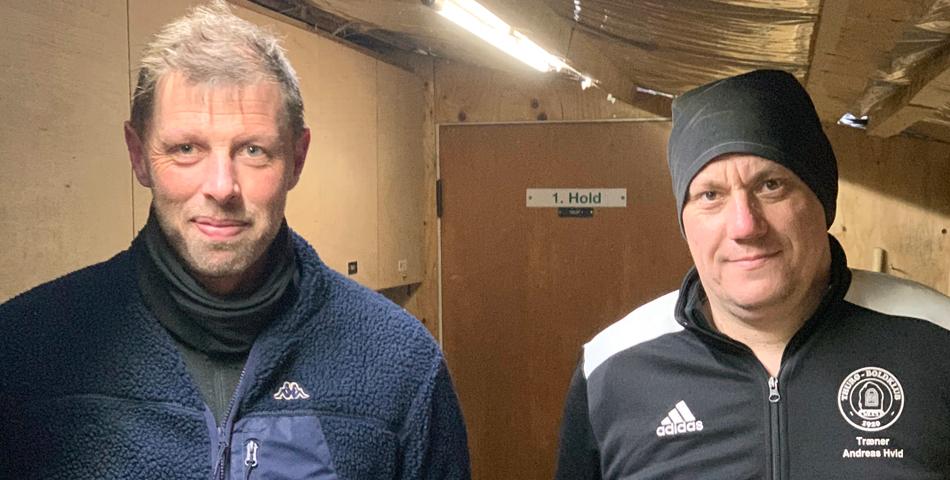 """Ny træner samler seniorspillerne i """"to-holds drift"""" til ny sæson"""